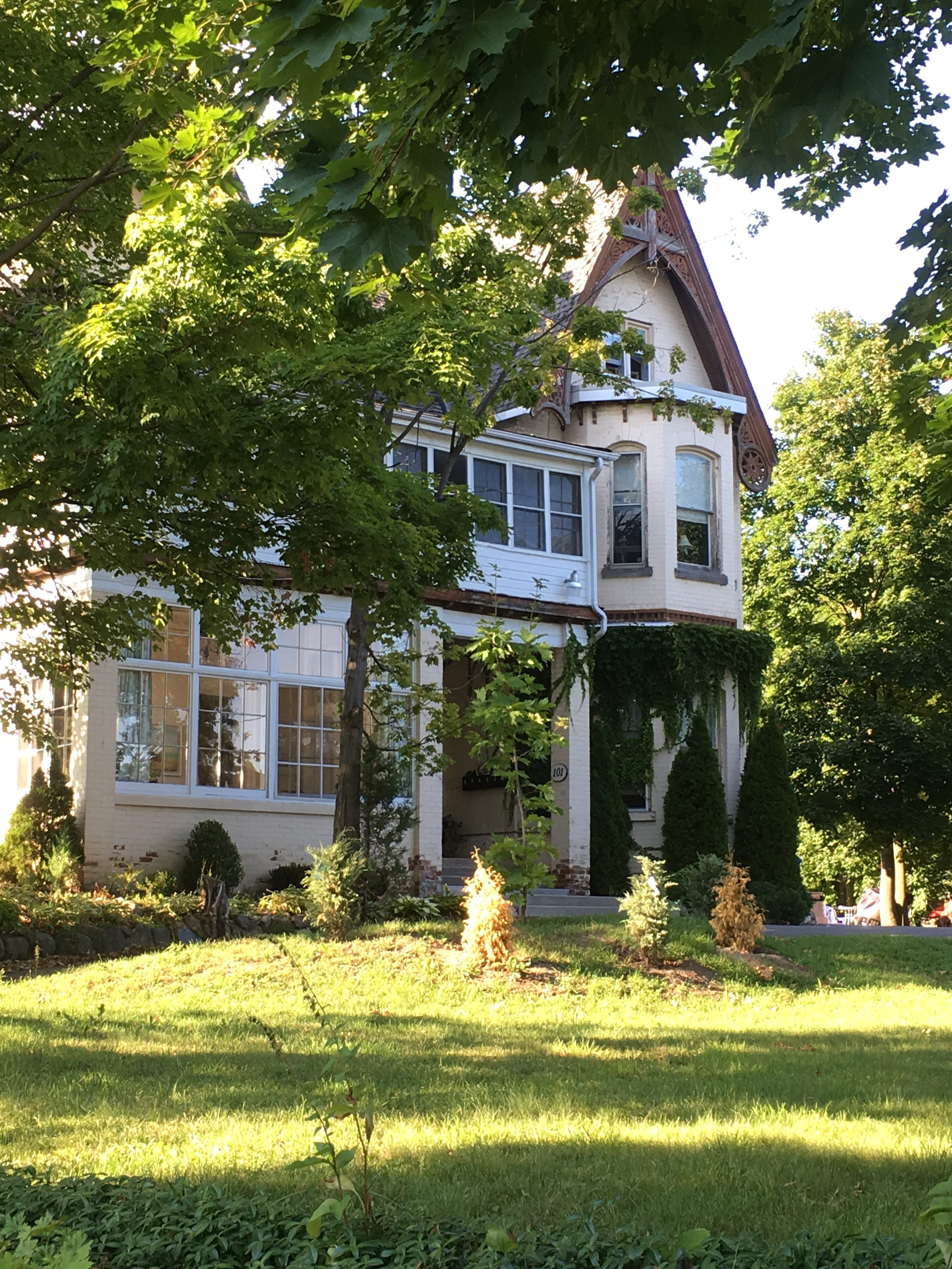 2016-08-23-Downtown-Thomas McConkey, Warden of Simcoe County built this home at 101 Clapperton Street in the mid 1870s